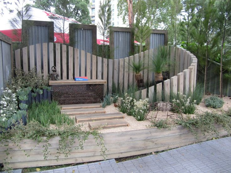 17 best images about fence on pinterest fence design for Garden fence features