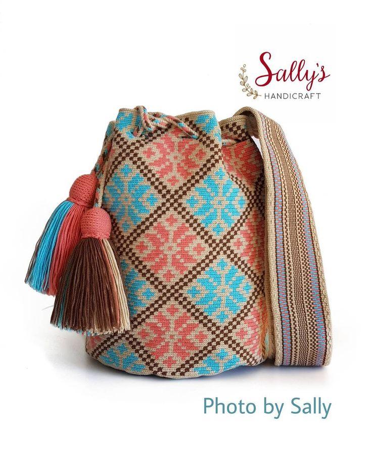 58 отметок «Нравится», 2 комментариев — กระเป๋าวายูแท้100% Wayúu bag (@sallyshandicraft) в Instagram: «✔ว่างค่ะ ไหมเส้นเดียวมีเบลทอแน่นเนียนคุณภาพสูง ✔รับตรงคนทอ ❌ไม่ขายงานแบรนด์จ้างถัก…»