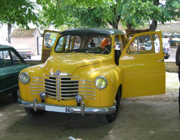 voiture renault de 1952