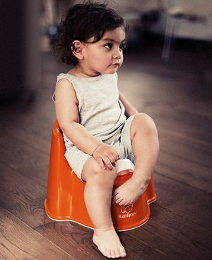 Sturdy and comfortable potty chair from BABYBJÖRN