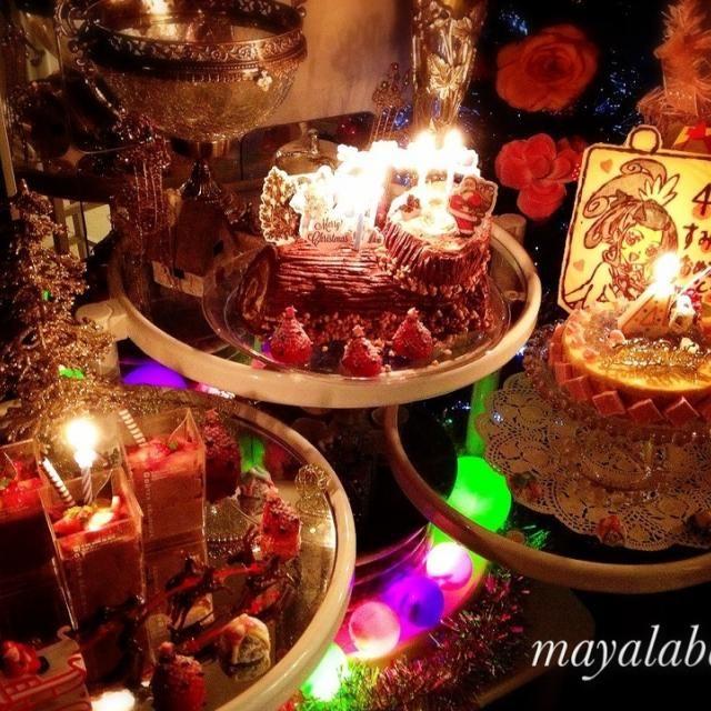 12月23日は、娘の誕生日✨✨  4歳のお誕生日パーティーをしました☺✨こちらは全体像  すっごくすっごく喜んでくれて 私まで涙してしまったお誕生日会 娘にとって、笑顔いーっぱいの一年になりますようにという想いを込めて作りました  ▪チョコレートムース ▪マロンクリームのブッシュ・ド・ノエル ▪キュアソードの、アプリコットムースとマシュマロのケーキ ▪ブール・ド・ネージュ  は、いいんだけど我が家はクリスマスをまた別で設けなきゃいけないため、これママかんなりハードです笑 - 176件のもぐもぐ - 23日 娘の4歳のバースデーに☺ by mayalabeille18