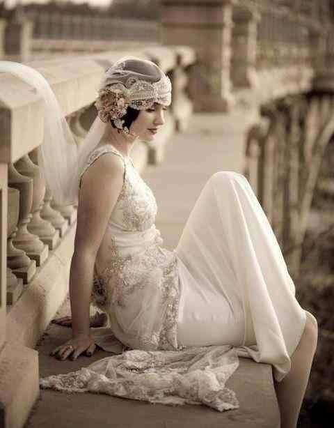 Beautiful 1920s wedding dress and veil, for the #downtonabbey inspired wedding