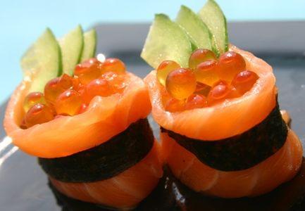 salmon ikura sushi. ok now we're getting creative.