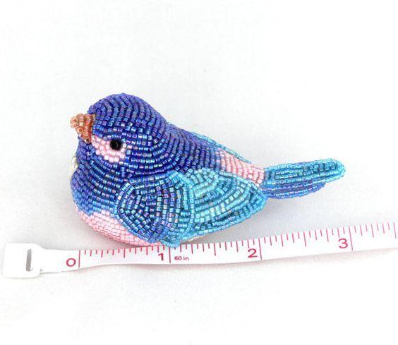 Pretty beaded birds by Meredith Dada - http://beadsmagic.com/?p=1231#more-1231