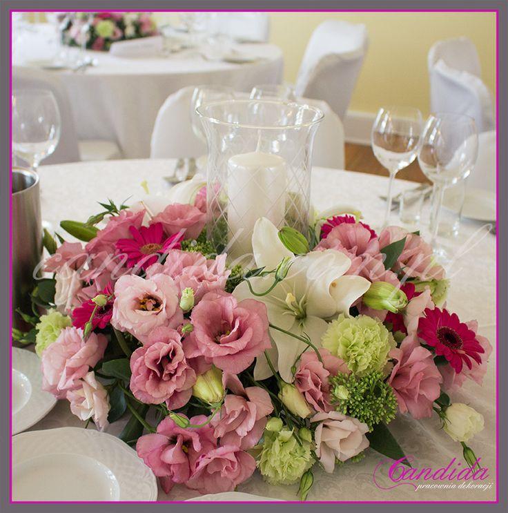 kwiatowa dekoracja ślubna stołu weselnego w Dworze Radzin