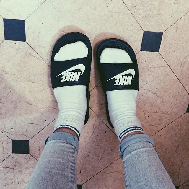 Awesome Nike X Fragment Benassi JDI SP