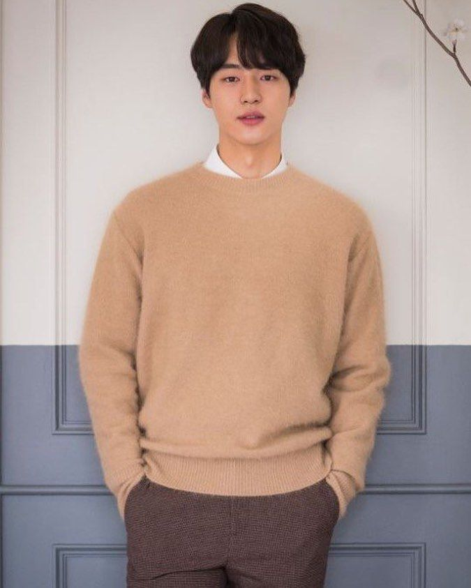 """15 Likes, 1 Comments - Yang Se Jong 양세종 (@sejongstar) on Instagram: """"[ARTICLE] Yang Se Jong """"Cosmetics brand 'Exclusive Model' with Lee Seung Gi""""…"""""""
