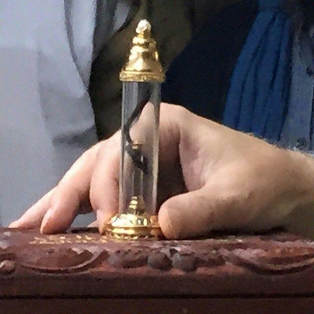 FACEBOOK.COM/SUFILIVE #share #repost #regram #tag . MICHIGAN Masha'Allah last night at #FentonZawiya on the blessed occasion of the Sacred Night Journey, Laylat al-Isra wal Miraj, Shaykh Muhammad @HishamKabbani read the #dua of #Grandshaykh AbdAllah al-Fa'iz ad-Daghestani (qs) welcoming 27 Rajab, followed by #ziyara of the #HolyHairs of #ProphetMuhammad ﷺ (shown here). Take #baraka with your loved ones by reciting #Shahadah while viewing this photo, as anything from Sayyidina Muhammad ﷺ is…
