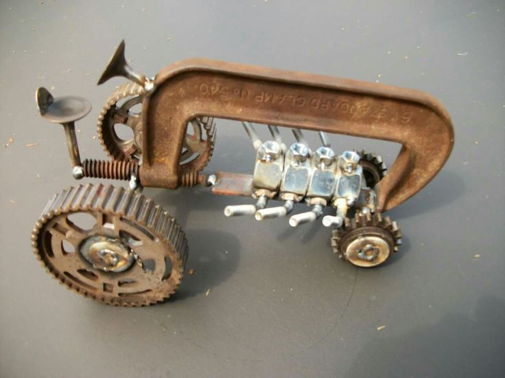 OMGosh! This is such a great idea to make for those tractor crazy guys!