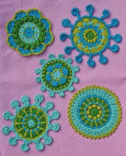 5 beautiful motifs ….. as applique for children clothing, for decoration of pillow cases, table runners, etc., to use as a coaster, just to lie down to decorate your home…..