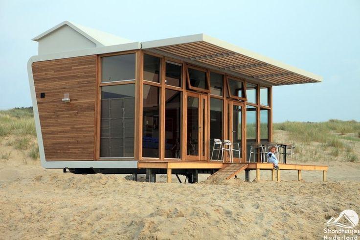 Strandhuisje huren Cadzand-Bad. Bijzondere huisjes direct aan zee te huur op het strand van Cadzand-Bad. Hoort bij vakantiepark. Strandvakantie met hond.