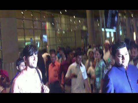 Sidharth Malhotra returns from IIFA awards 2016.	https://youtu.be/y_qD_9SApTc