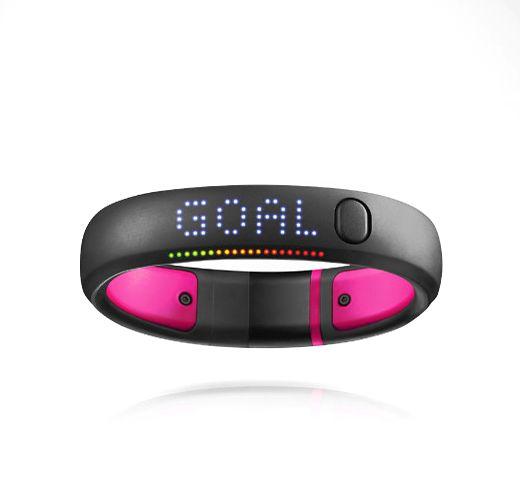 Nike FuelBand бывает розовенький, специально для девочек-блондинок)))) Но только для тех, кто любит фитнесс ;)