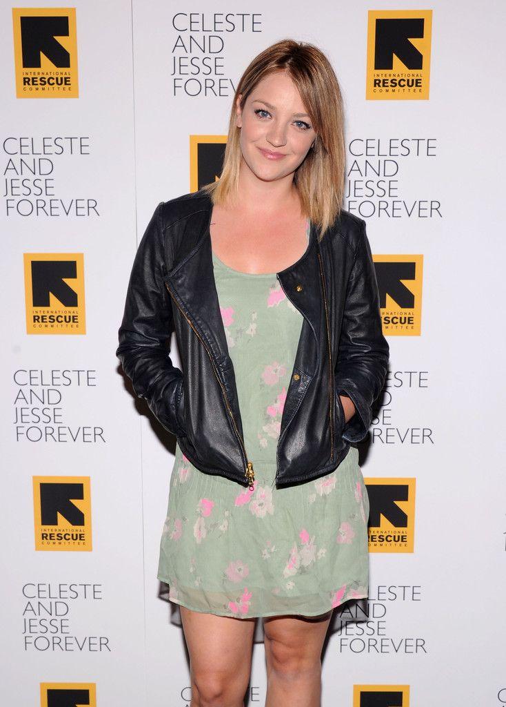 "Abby Elliott Photos - ""Celeste And Jessie"" New York Premiere - Inside Arrivals - Zimbio"