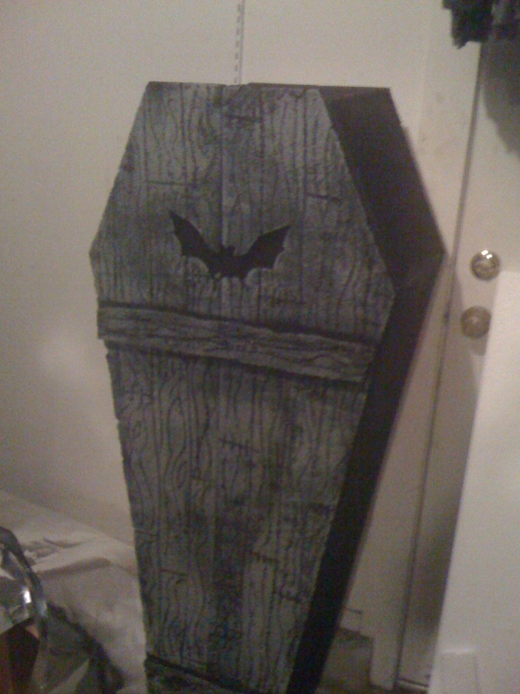 Pinner Said I Made This Coffin Last Year For Halloween