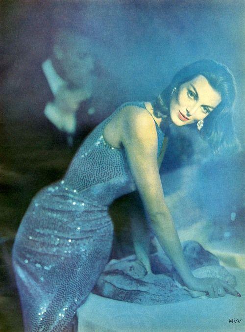 Carmen Dell'Orefice, Harper's Bazaar October 1957, photo by Richard Avedon
