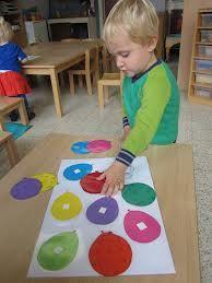 Ballonnen sorteren op kleur maak de ballonnen van vilt en doe er klittenband op...