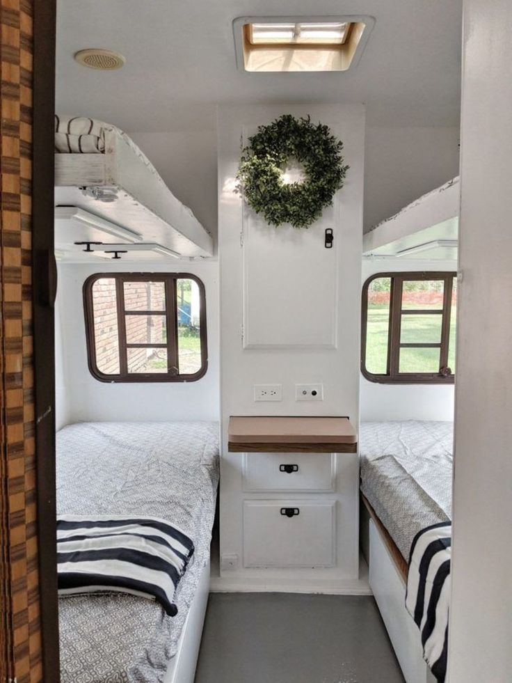 30+ Brilliant Vintage Travel Trailers Remodel Ideas | Trailer