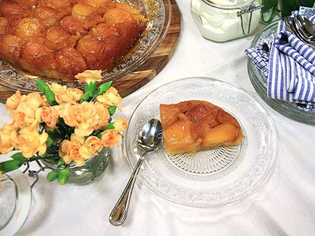 Tarte tatin med persikor