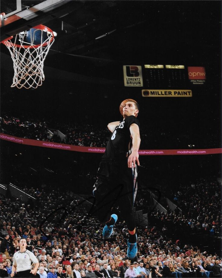 UCLA BRUINS ZACH LaVINE HAND SIGNED MINNESOTA TIMBERWOLVES 8X10 PHOTO W/COA