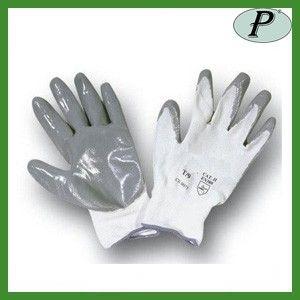 Guantes de nitrilo gris con soporte nylon 5071PG. Modelo sin costuras.     Detalles en: http://www.tplanas.com/epis/guantes-de-nylon/195-guantes-nitrilo-ligero-sobre-textil-nylon.html