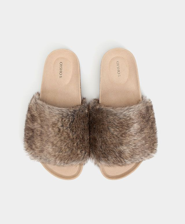 Fashion faux fur sandals - View All - Autumn Winter 2016 trends in women fashion at Oysho online. Lingerie, pyjamas, sportswear, shoes, accessories, body shapers, beachwear and swimsuits & bikinis.