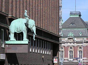 Bilder von Hamburg - Fotos vom Brahmsplatz - Hamburger Musikhalle