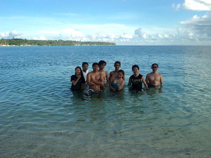 Groufie in the sandbar of Higatangan Island