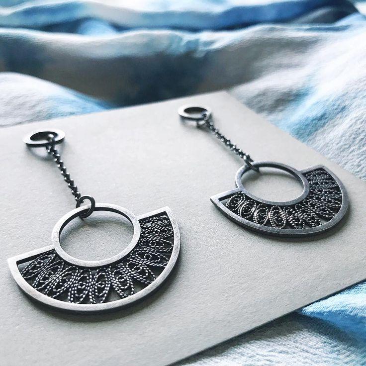 Oxidized silver filigree earrings #kelseygrape #modernfiligree #kelseygrapejewelry