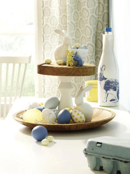 Tolle DIY-Idee zu Ostern! Und das brauchen Sie für die Etagere in Blau Gelb ...