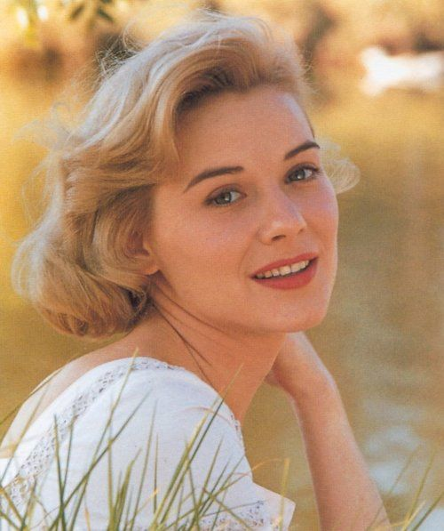 Hope Lange , film, stage and TV actor  (Bus Stop, Wild In the Country, The Ghost and Mrs. Muir, The Best of Everything, Death Wish, Peyton Place)  1933-2003