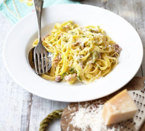 Creamy courgette & bacon pasta - 7/3/16