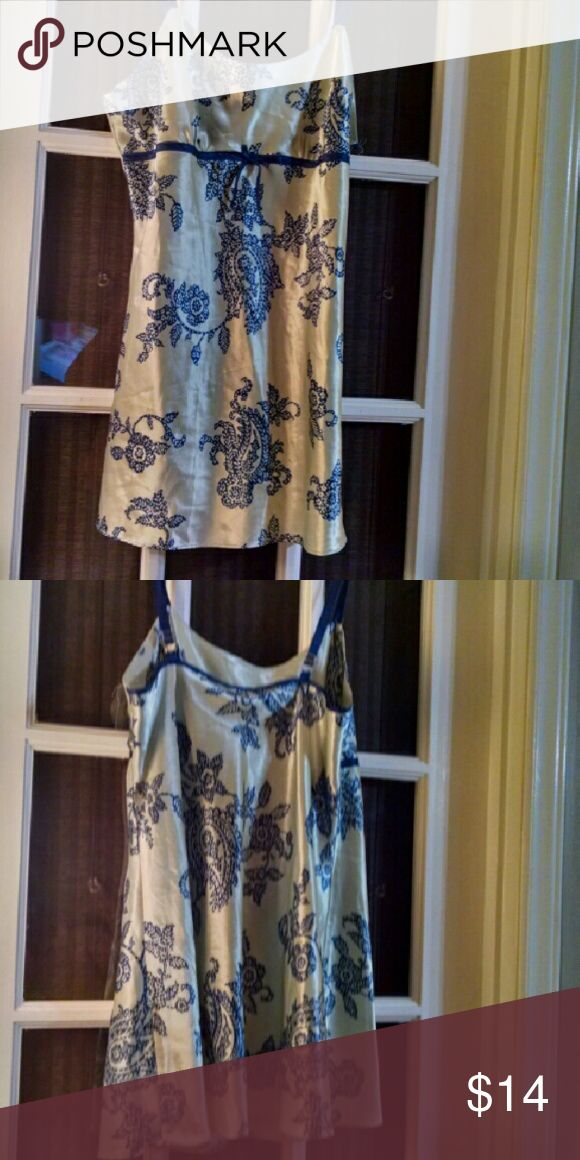 Jones NY Lovely slip chemise So pretty...Satiny chemise night gown. Adjustable straps Jones New York Intimates & Sleepwear Chemises & Slips