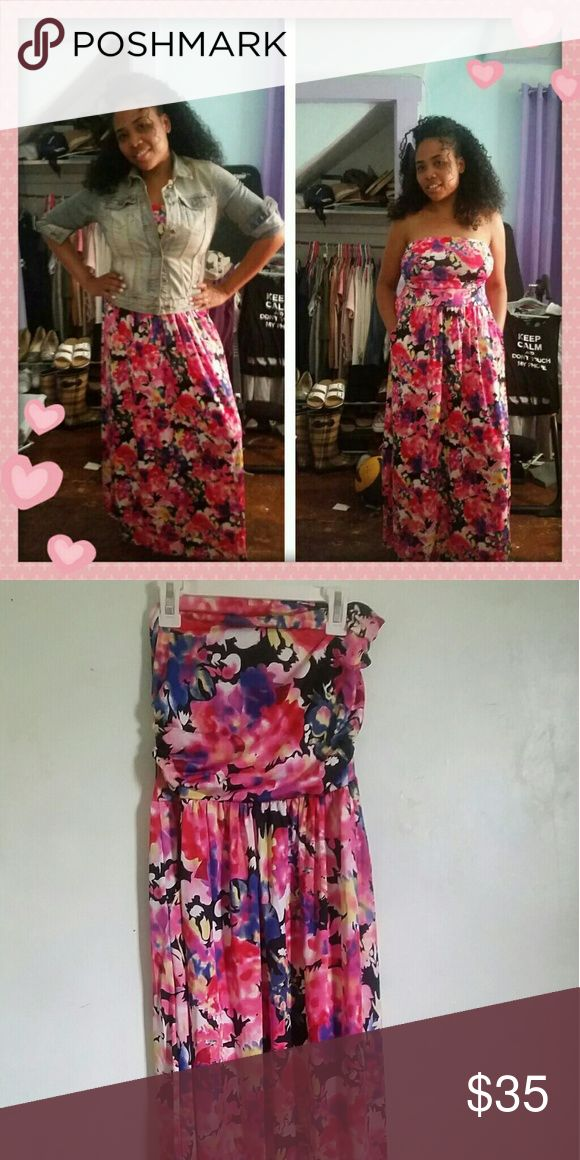 Pretty floral maxi dress Tube maxi dress. Very pretty floral print. Material: 65% cotton, 35%polyester.  Size L Dresses Maxi