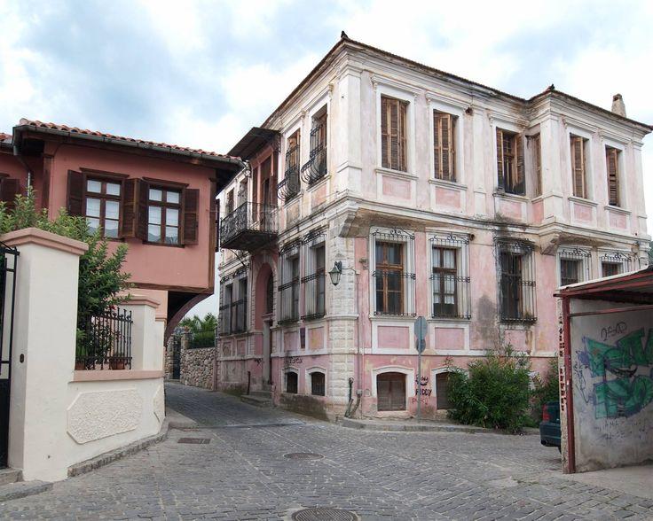 600 yıl boyunca Osmanlı egemenliğinde kalmış olan İskeçe, günümüzde Yunanistan'da Türkler'in yoğun olarak bulundukları bölgelerden biri...