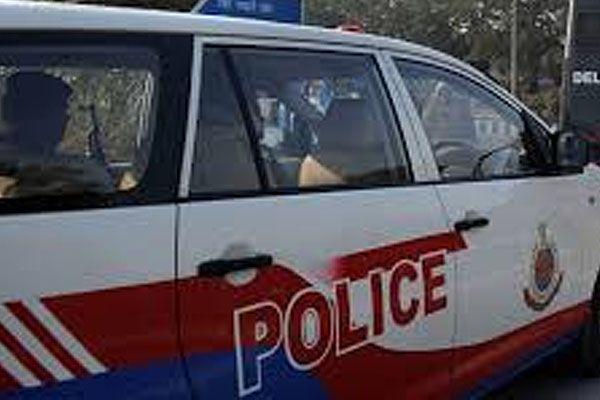 दिल्ली पुलिस के कांस्टेबल ने महिला कांस्टेबल के सामने की अश्लील हरकतें   Punjab Kesari