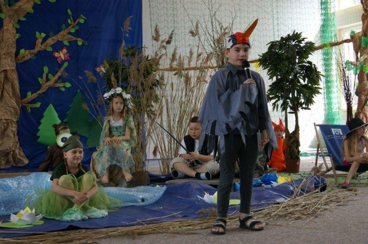 """""""Moje kochane Mazury"""" - pod takim hasłem realizowali projekt uczniowie pani Agnieszki Kucisz ze Szkoły Podstawowej w Piszu. """"Ponieważ mieszkamy na terenie Wielkich Jezior Mazurskich, postanowiliśmy, że tematem naszego projektu będą """"Nasze kochane Mazury"""", głównie ich promocja i działania ekologiczne."""" - napisała pani Agnieszka. Przeczytajcie o ich działaniach. http://szkolazklasa2012.ceo.nq.pl/dokument_widok?id=8437"""