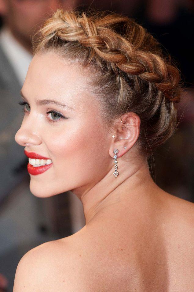 Scarlett Johanson and her amazing crown of braids