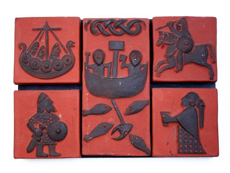 Vintage 1950's Scandinavian THYSSEN Keramik Danmark pottery wall hanging plaque, Danish Vikings pattern