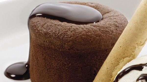 Si te gusta el #chocolate, nuestro Tutto #Cioccolato está hecho para ti.  http://www.latagliatella.es/menu/dolci-postres/