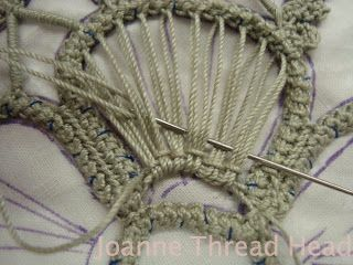 Thread Head: Intermediate Romanian Point Lace Tutorial