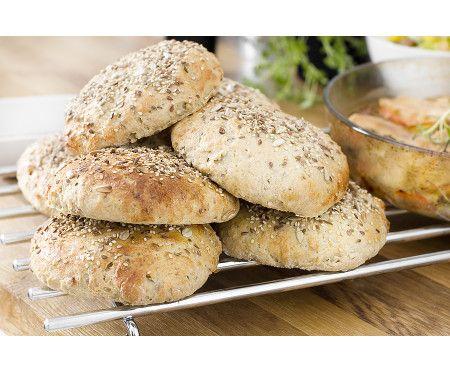 Bröd med fullkorn, bovete, lin- och solrosfrön
