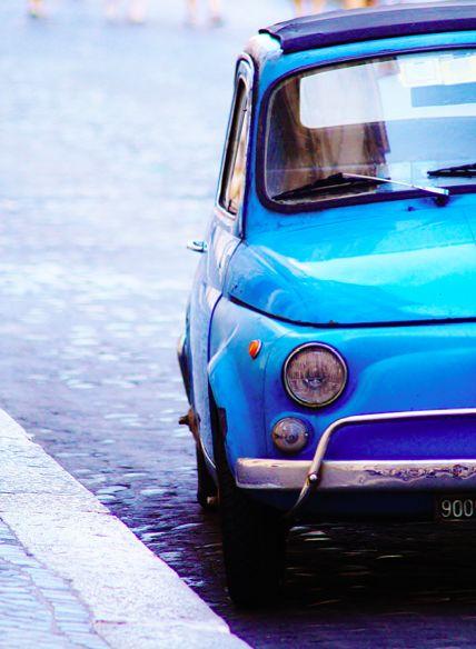 #Fiat 500 #ClassicCar ///// Ed io fra tanto Dall'altro canto Con questa e quella Vo'amoreggiar. Vo'amoreggiar. Vo'amoreggiar.