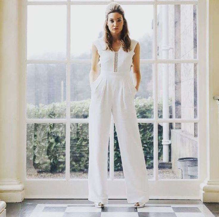 Cool Ditch the traditional wedding dress for your registry office wedding and opt for stunning bridal separates