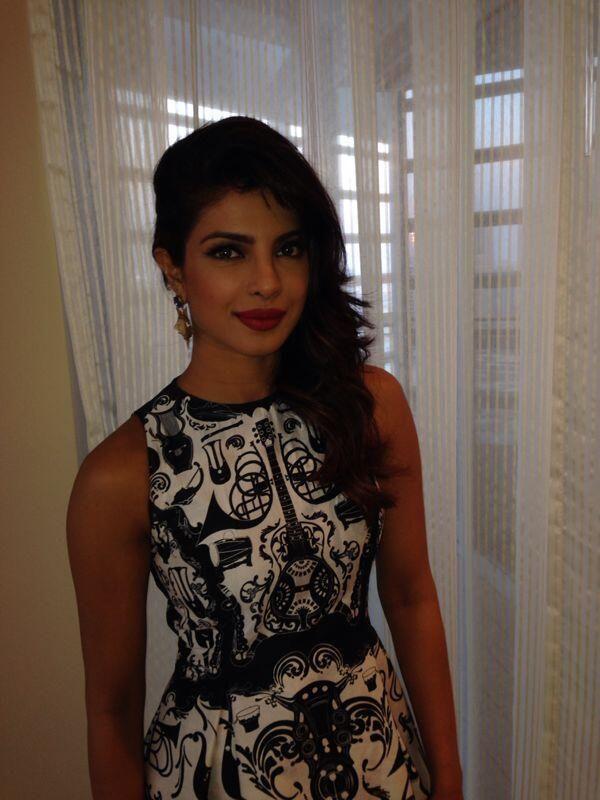 Hrithik, Priyanka, Kangana, Vivek promote Krrish 3 in Dubai | PINKVILLA