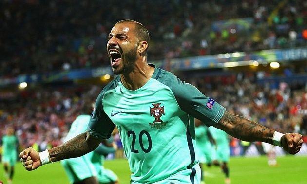 Гол Куарежмы вывел Португалию в четвертьфинал Евро-2016