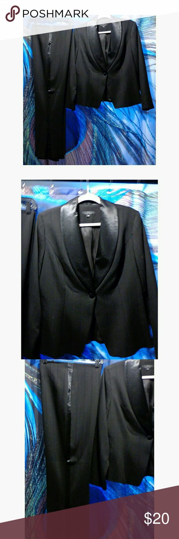 like new women's tuxedo suit barely worn Style & Co Other