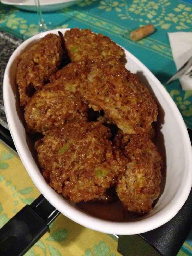 Buongiorno Bimbyne e Bimbyni! :D Qualche giorno fa abbiamo parlato farina di Quinoa e di Quinoa... http://www.bimby-ricette.it/2015/03/con-e-senza-bimby-polpettine-di-quinoa.html Avete poi provato a fare qualche ricetta!? Provate questa e ditemi se vi piace!!! :D http://www.bimby-ricette.it/2015/03/con-e-senza-bimby-polpettine-di-quinoa.html