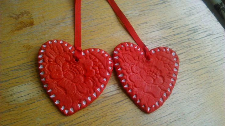 Srdíčka ke dni matek - samotuhnoucí hmota