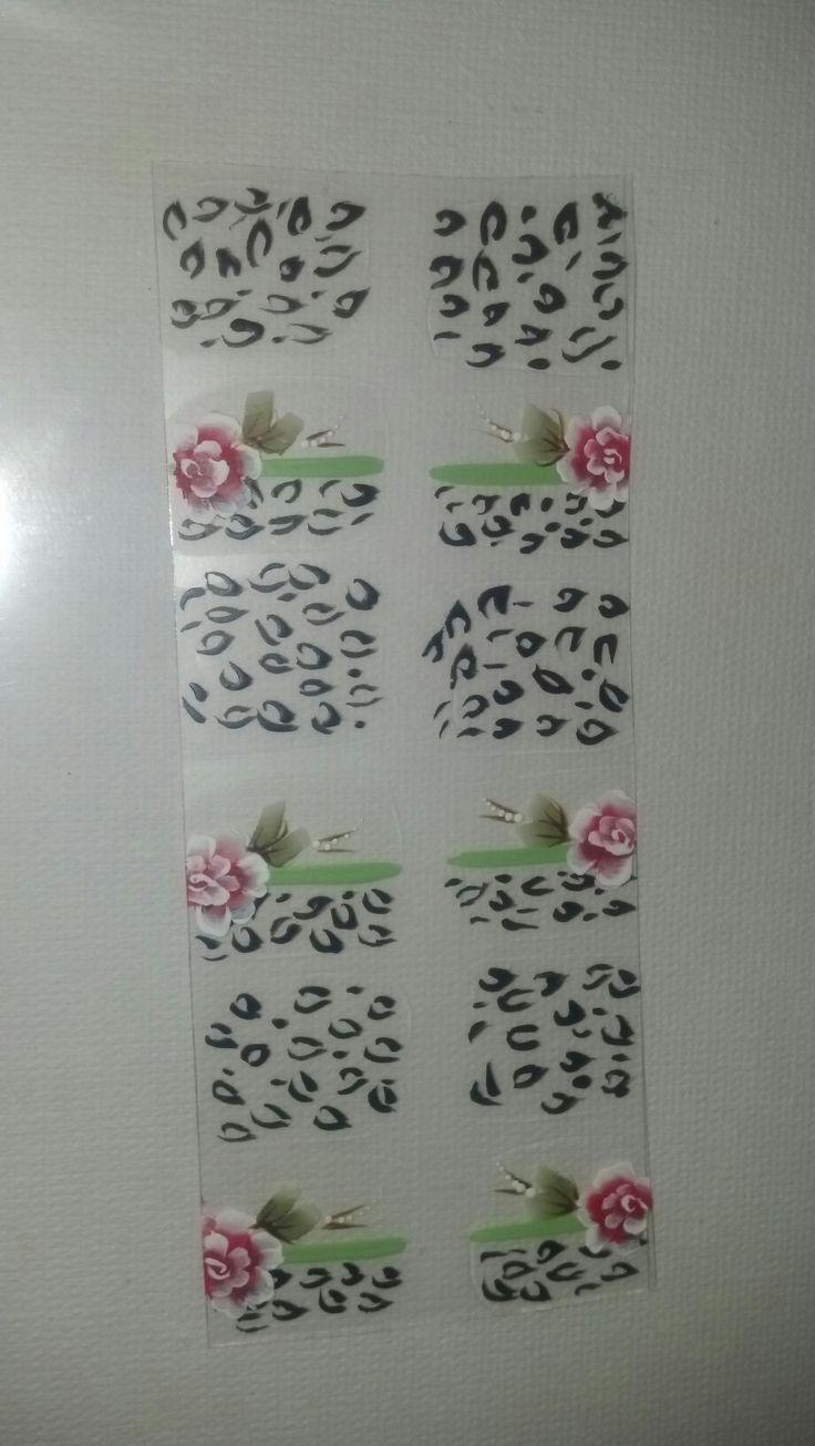 Rosas e leopardo. Adesivos de unhas Cod:012- Consiga meus adesivos de unhas chamando no wathssap 11 94205-2888